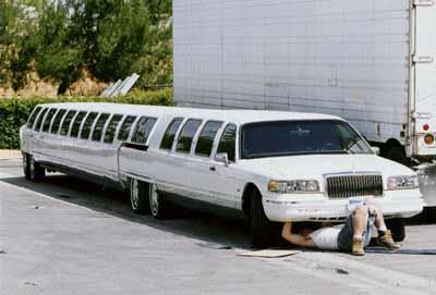 la plus longue limousine du monde. Black Bedroom Furniture Sets. Home Design Ideas